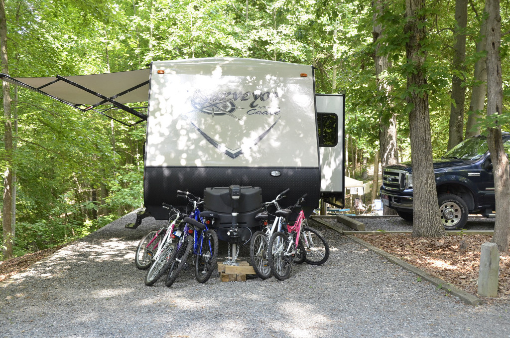 small travel trailer with slide